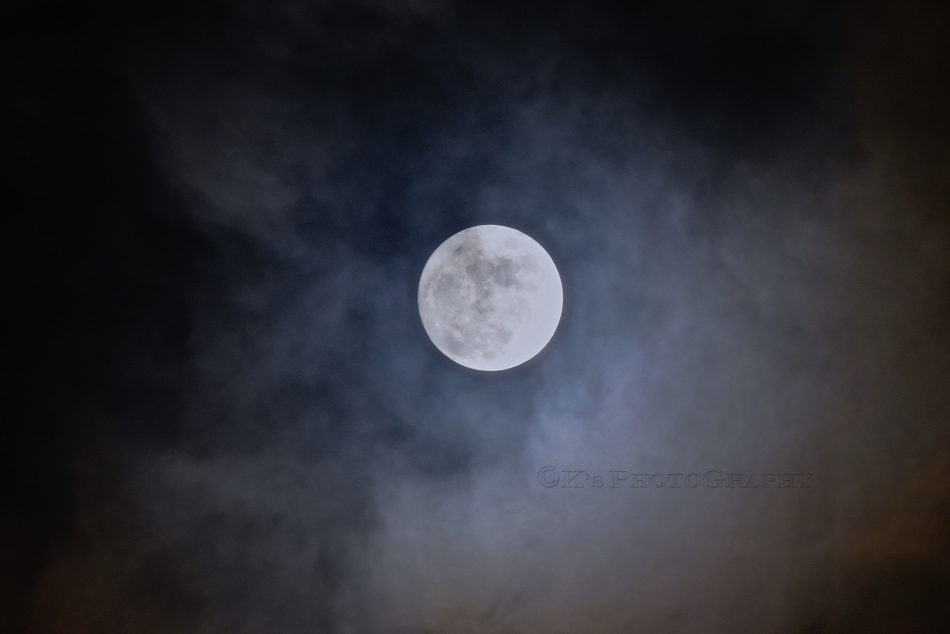 Don't you just love God's sense of humour to give us a built in smiley face  on the moon to look down on us earth people.  Even through cloudy skies He gives us His assurance that all is well.
